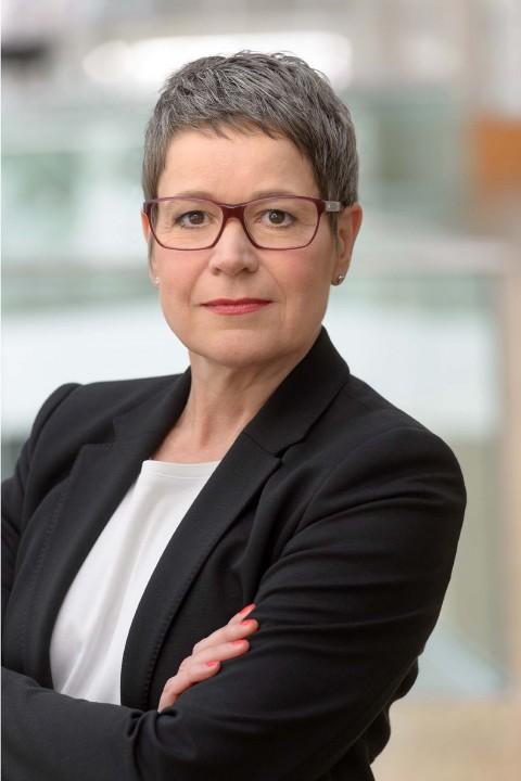 """""""Veränderungen der Luftfahrt, neue Strategie, Rolle und Verantwortung der Lufthansa"""", Kurzvortrag und Dialog mit Simone Menne, Mitglied des Vorstandes der Deutschen Lufthansa AG"""