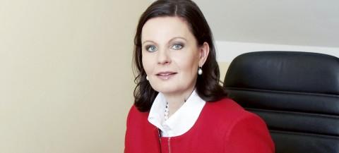 Dr. Bettina Hees