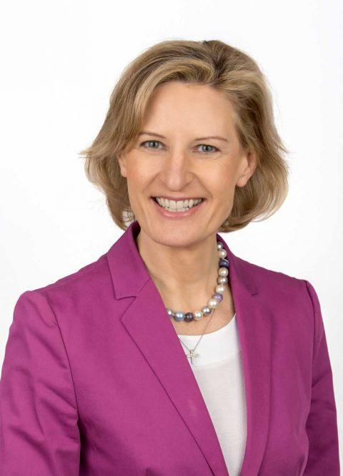 """Lunch Talk mitProf. Dr. Angelika Nieblerzum Thema:""""Aktueller Blick nach Brüssel: Hier spielt die (Wirtschafts-)Politik!"""""""