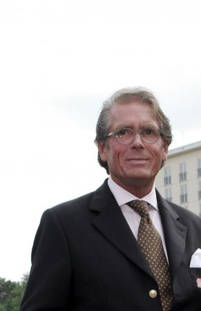 Dr. Thomas Falk